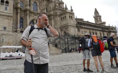 El chef José Andrés termina el Camino de Santiago y lo celebra en el Mercado de Abastos